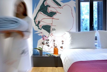 Custom-made Iconography - de-co-hotel-room-spain